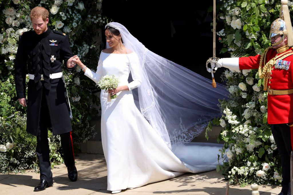 royal-wedding-comparison-meghan-markle-wedding-dress-1526759055